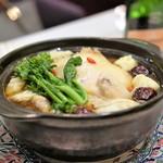 GINZA芳園 - 香港式参鶏湯の海老ワンタン添え