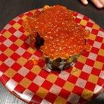 回転寿司六鮮 新世界店 - こぼれイクラ