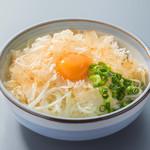 ■おにおんスライス鶏節と卵黄のせ