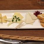 エル・チャテオ - ミックス・チーズの盛り合せ