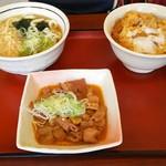 山田うどん食堂 - かき揚げ丼セット(たぬきうどん)(税込600円)ともつ煮(税込400円)