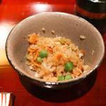 二条城ふる田 - 鯛と桜海老、うすい豆の御飯