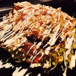 ろくもんや - 男爵芋とチーズのお好み焼き(1,380円)