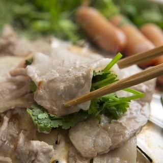 ◆イブファームのイブ美豚使用!パクチー鍋コース2,980円