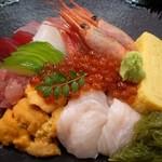 一平寿司 本店 - 料理写真:海鮮丼