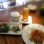 ALBA - 料理写真:ランチは1000円~ ポットでサービスの紅茶が人気です