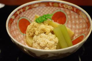 懐石 辻留 - 煮合せ:筍、鯛子、蕗