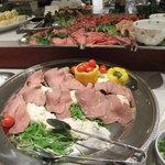 ポンテ - ブッフェ料理(ローストビーフ、生ハム等)