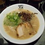 博多新風ラーメン食堂 - ¥750