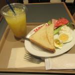 タミルズ - トーストセット 550円