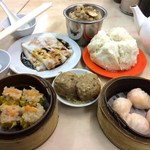Saam Hui Yaat - 料理写真:蟹王焼賣、叉焼腸粉、咸魚肉餅飯、雞球大包、鮮蝦餃、鮮竹牛肉