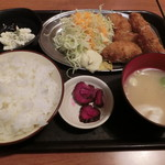 65018227 - カキフライ定食700円