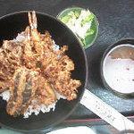 上藤屋 - 1000円で、とんでもなく美味しい天丼です。