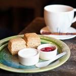 スターダスト - 料理写真:スコーン、豆乳で作ったチャイ