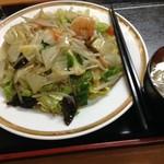 紅龍菜館 - 五目あんかけ焼きそば850円大盛100円増し