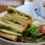 カフェ ル バン ベール - アボガドとベーコンのサンド、アメリカン