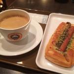 サンマルクカフェ - 日替りパンモーニング290円  粗挽きウインナー ブレンド