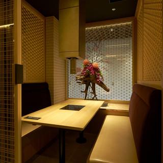 ◆テーブル個室が充実―。和モダンな空間でごゆっくり―。