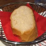 小松屋 - ランチセットにつくパン(おかわり無料)