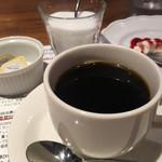 小松屋 - ランチセットにつくコーヒー(おかわり無料)