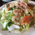 KURA - 海の幸のサラダ