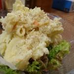 Kaine - ◆ポテトサラダ(350円:外税)・・量もタップリ。家庭的な味わいですが、辛子が効いていて美味しい。
