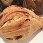 ブレッドプラントオズ - いちじくのパン