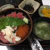 うお多 - 料理写真:まぐろかにいくら丼(1100円)