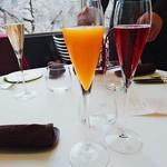 65058584 - 食前酒。お勧めの桜色のスプマンテを。我が道を行く連れ二人は、キールロワイヤルとミモザ