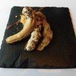 レストラン マノワ - ブロンドチョコレートとバナナのキャラメリゼとキャラメルアイスのエクレア(2017.3)