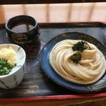 寿美屋 - 料理写真:ざるうどん(*゚∀゚*)440円