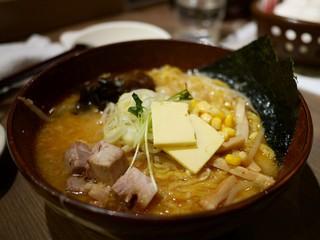 白樺山荘 札幌ら~めん共和国店 - 味噌ラーメン+バタコン