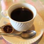 インド料理 ガンダァーラ - コーヒーは普通においしい