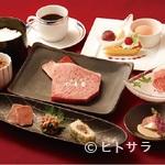 近江牛専門店 れすとらん 松喜屋 - 全国に「近江牛」の名を広めた老舗が丹精込めて「近江牛尽くし」を演出します。