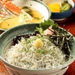 魚見亭 - しらす丼 かにの味噌汁