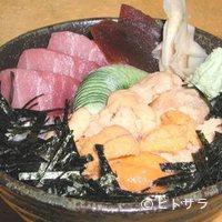 寿司処 一心 - うにトロ丼・1人前3000円(税別)