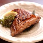 江戸や鮨八 - まぐろカマにんにく醤油焼き
