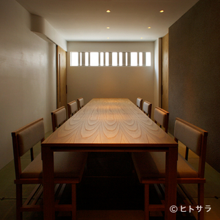 個室テーブル席は8名様までご対応可能です。