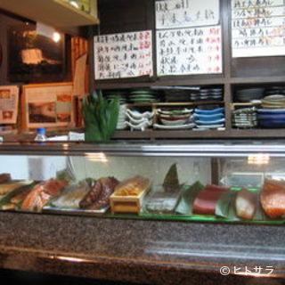 カウンターでのお寿司