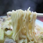 金龍 - 麺はかなり柔らかめだ