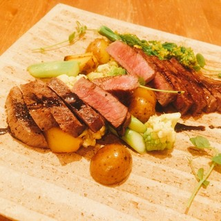 上質な脂の黒毛和牛ステーキは、わさびと共に召し上がれ