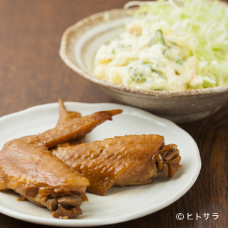九州のお酒好きが頬を緩める、ざっかけない酒肴も用意しています