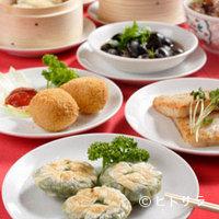 中国茶館 - 70種類におよぶ点心が食べ放題