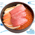 海鮮丼の浦島 - 【いくら・ズワイカニ・中トロ】