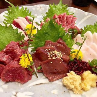 ◆季節の食材◆熊本県産【馬刺し】、贅沢食材の【天婦羅】など