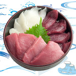 海鮮丼の浦島 - 【本まぐろ・えんがわ・中トロ】