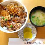 65090478 - 豚丼の松_900円、なめこ椀_200円