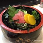 鮨処 さか井 - トータンのマグロ丼…キハダと本マグロかな♪たっぷり入ってました