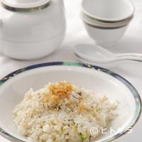 """香港 - 食後にはお茶もどうぞ。""""干し貝柱と卵白のチャーハン"""""""
