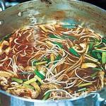 海老蔵 - ハフハフの後は太めの半田素麺をズズイッと。